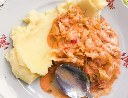 Creamy stewed cabbage