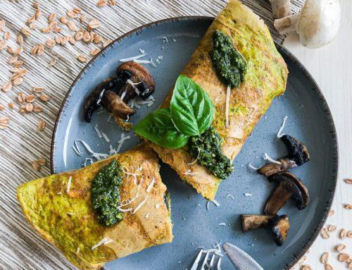 Pesto omleta s pirinimi kosmiči in šampinjoni