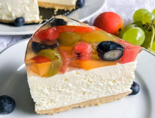 Cheesecake s sadjem in želejem